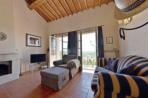 Scorpione vakantiehuis in lecchi in chianti siena toscane - Opslagkast hal ...