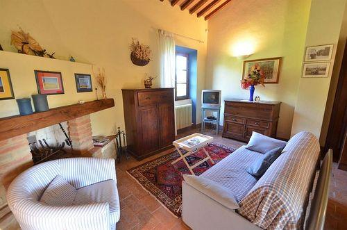 Caesius podere casanuova vakantiehuis in san gimignano siena toscane - Eetkamer leunstoel ...
