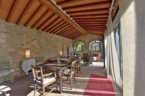Villa le piane 6 le piane vakantiehuis in gaiole in chianti siena toscane - Eetkamer leunstoel ...