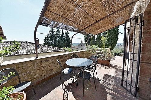 Pergola montebuoni vakantiehuis in lecchi in chianti gaiole in chianti siena toscane - Smeedijzeren pergola ...