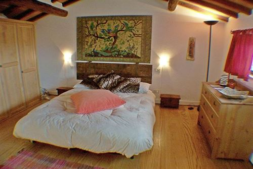 Entresol Slaapkamer : De ruime mezzanine slaapkamer met haar hoge ...